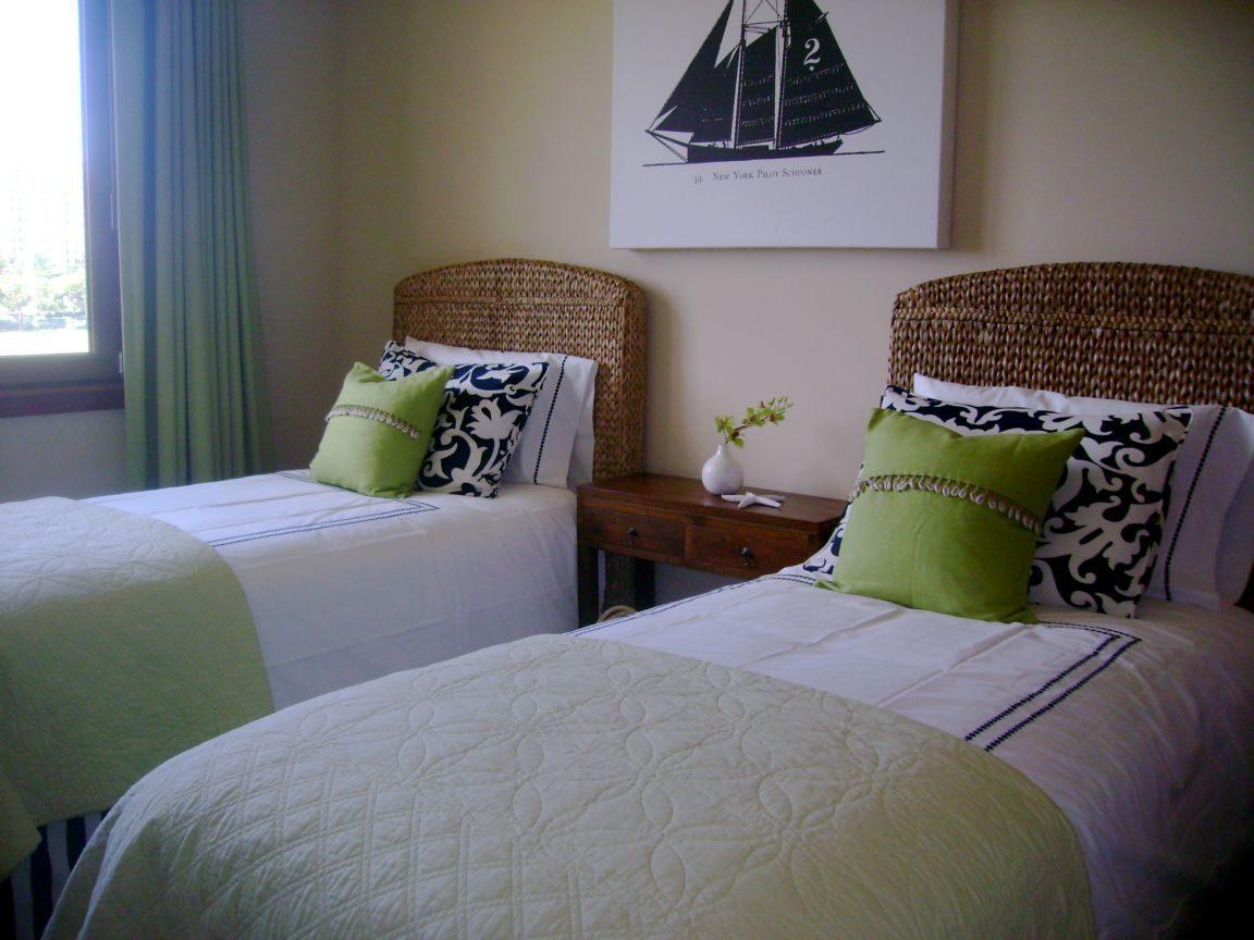 Trundle Beds Habitaci 243 N De Invitados Con Dos Camas Im 225 Genes Y Fotos